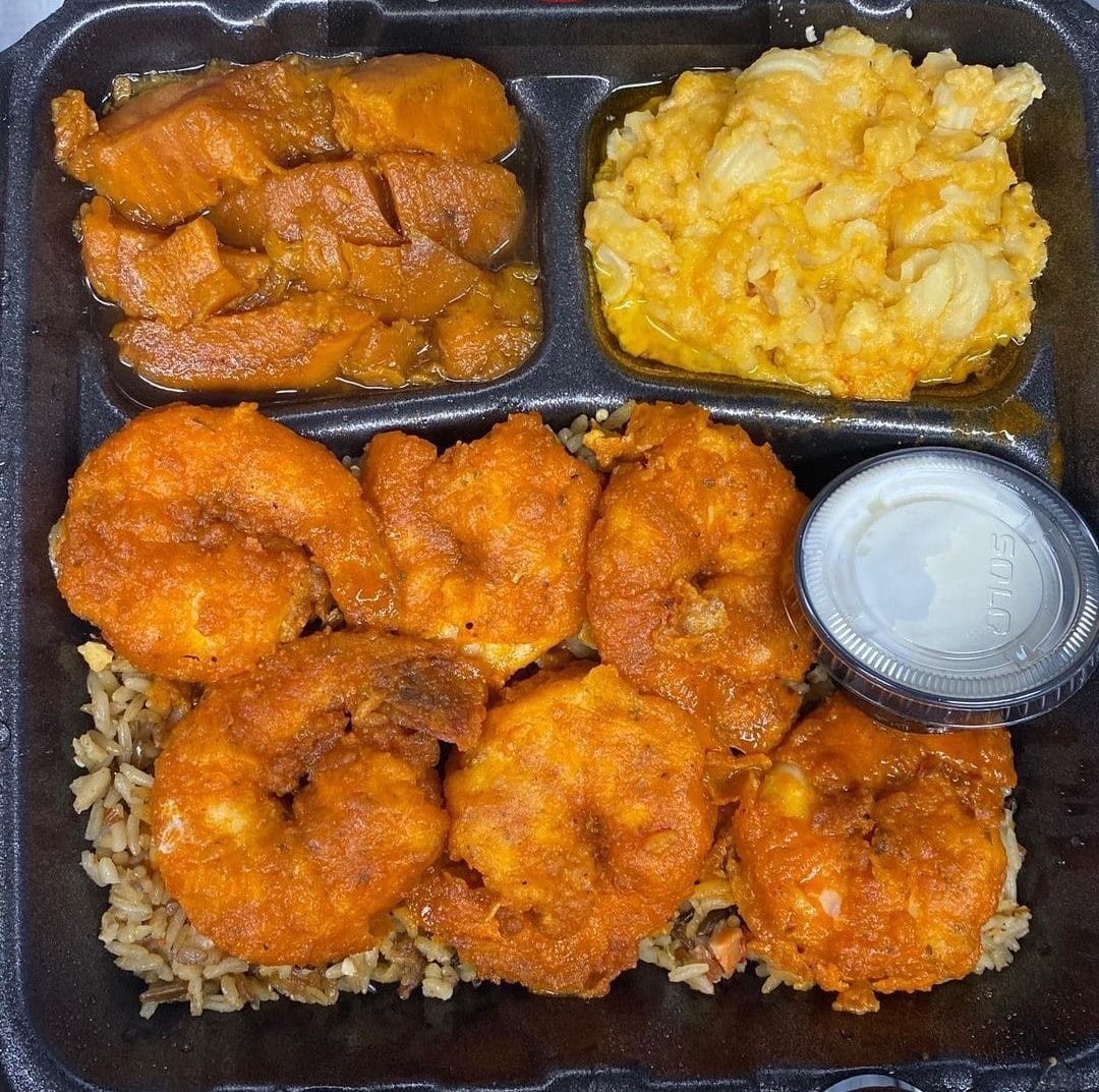 To-go plate from Sooo Trucking Delicious. Shrimp and macaroni and cheese.